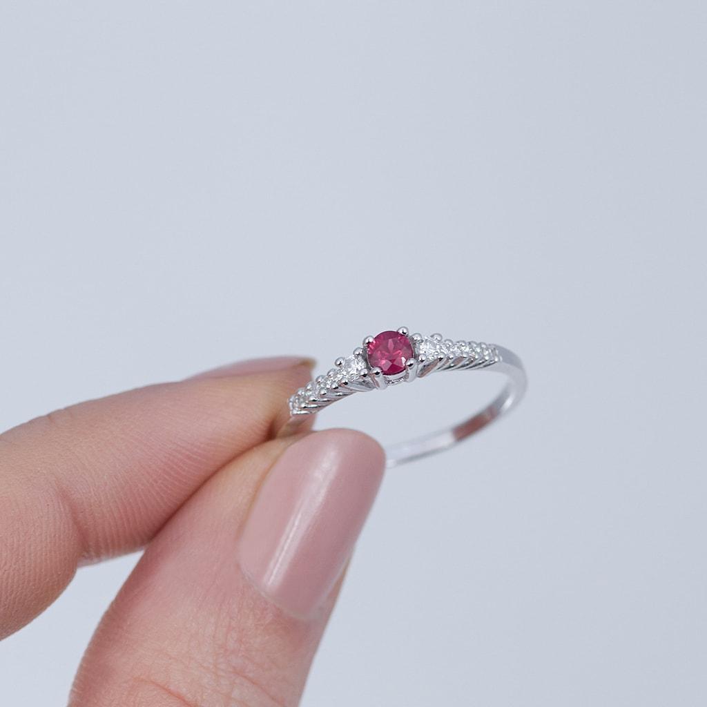 bague en or avec rubis et diamants klenota bijoux avec amour. Black Bedroom Furniture Sets. Home Design Ideas