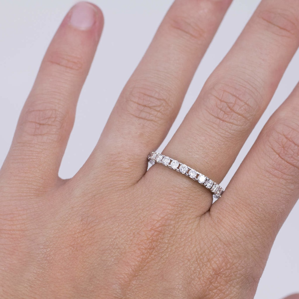 Platinum ring with diamond | KLENOTA