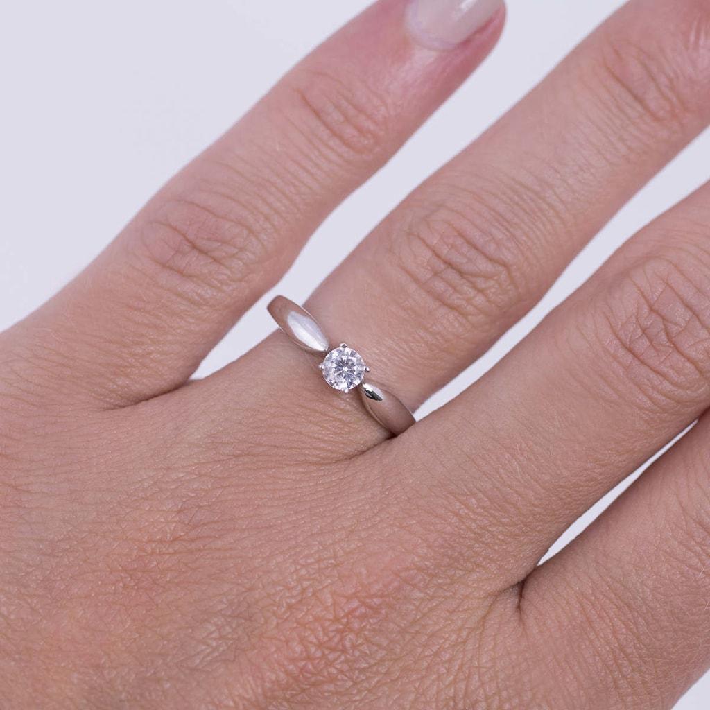 klenota diamant verlobungsring aus wei gold verlobungsringe mit brillant schmuck mit. Black Bedroom Furniture Sets. Home Design Ideas
