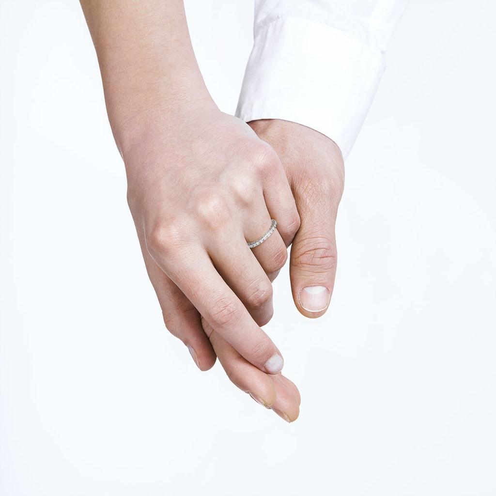White gold wedding rings with diamonds | KLENOTA