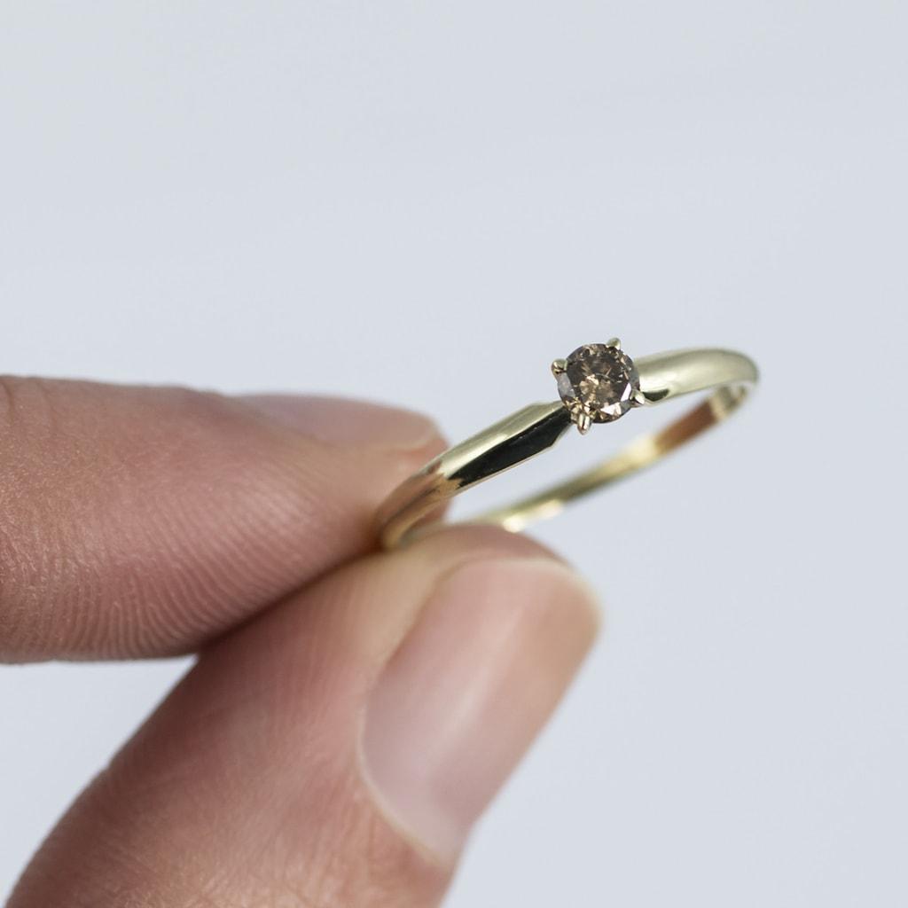 klenota verlobungsring mit diamanten verlobungsringe mit farbigen diamanten schmuck mit. Black Bedroom Furniture Sets. Home Design Ideas