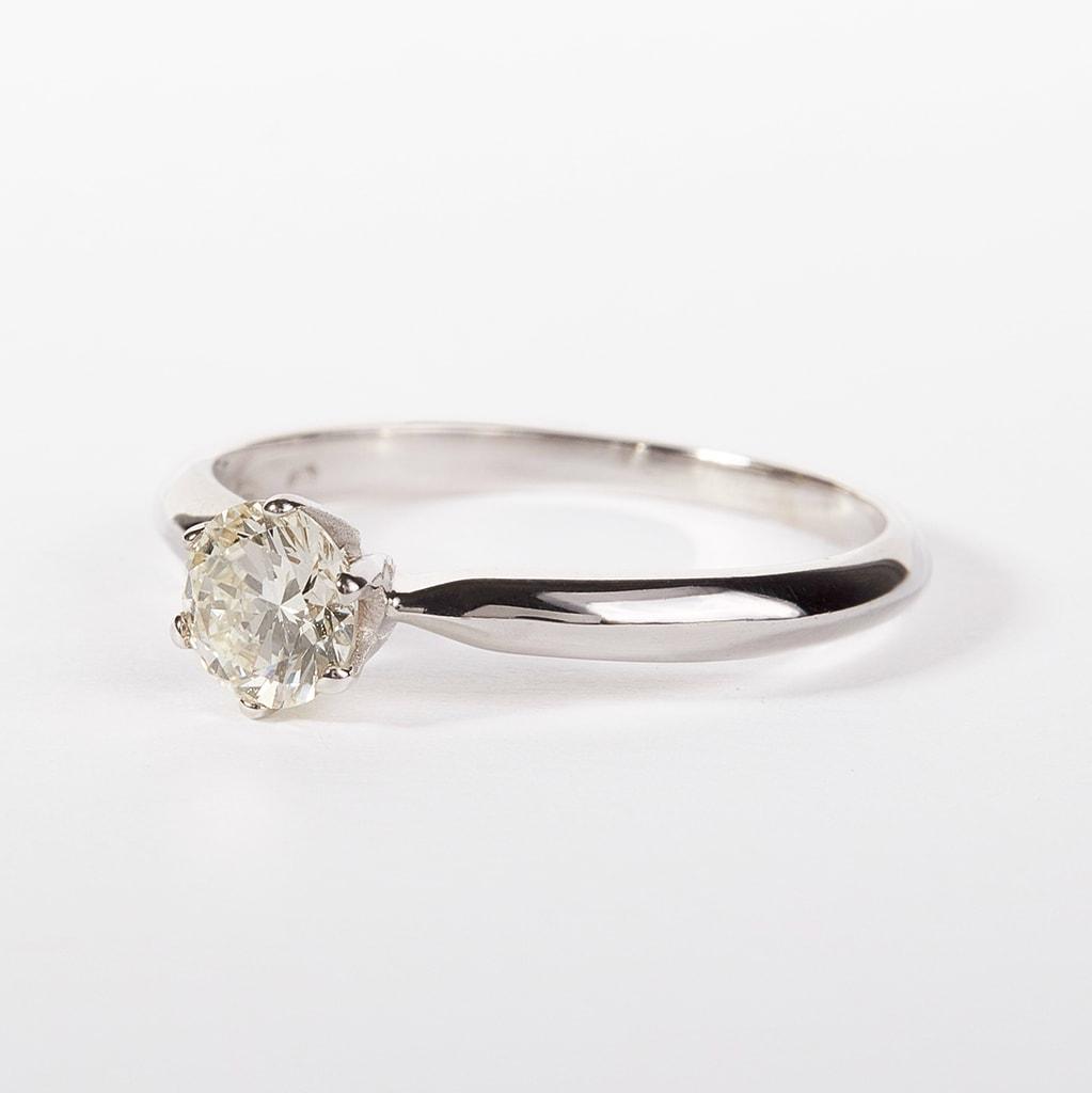 klenota verlobungsring mit diamant verlobungsringe mit brillant schmuck mit liebe gemacht. Black Bedroom Furniture Sets. Home Design Ideas