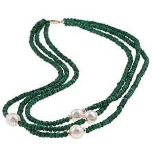 NECKLACE MADE OF EMERAL STONES AND PEARLS - PEARL NECKLACE - PEARLS