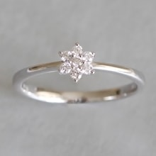 Flower ring in white gold - White gold rings
