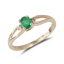 Ring with emerald and diamonds, 14K yellow gold - Gold rings