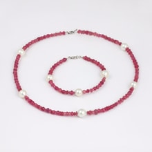 Ruby set with pearls - Jewellery Sale