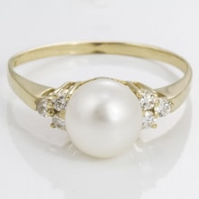Pearl ring with diamonds - Pearl rings