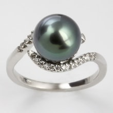 GOLD RING WITH TAHITIAN PEARLS AND DIAMONDS - 18K GOLD - TAHITIAN PEARLS - PEARLS