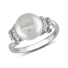Ring with freshwater pearl and diamonds - Pearl rings