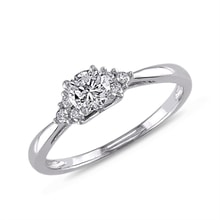 Diamond engagement ring in white gold - Engagement Diamond Rings