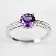 GOLD RING WITH AMETHYST AND DIAMONDS - ENGAGEMENT RINGS WITH GEMSTONES