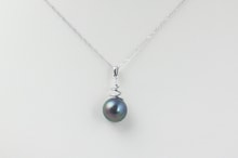 Sterling silver necklace with a Tahitian pearl - Pearl pendant