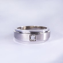 Men's diamond engagement ring - Jewellery by Klenota