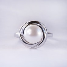 GOLD RING WITH PEARL - RINGS