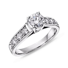 Engagement ring in white gold with diamonds - Diamond engagement rings