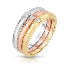 A SET OF GOLD RINGS WITH DIAMONDS - DIAMOND RINGS - RINGS