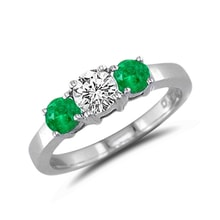 Emerald ring in white gold with diamonds - Emerald rings