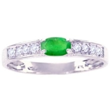 White gold ring with emerald and diamonds - Emerald rings