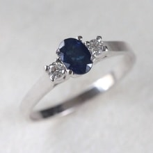 Gold ring with sapphire and zircons - Engagement rings with gemstones