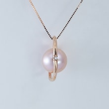 GOLD PENDANT WITH PEARL - PEARL PENDANT - PEARLS