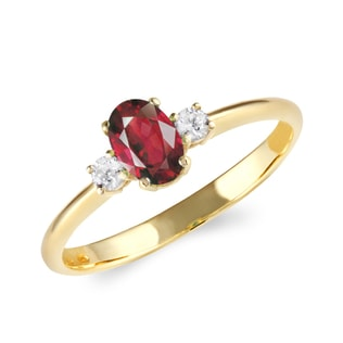 GOLD RING WITH RUBY ​​AND DIAMONDS - RUBY RINGS - RINGS