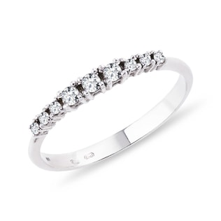 Diamond ring in white gold