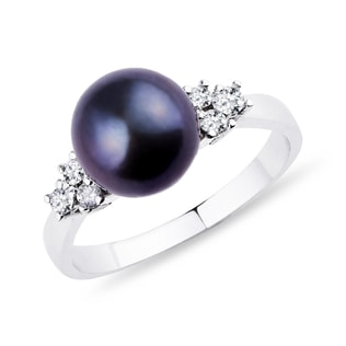 GOLD RING WITH DIAMONDS AND A BLACK PEARL - PEARL RINGS - PEARL JEWELRY