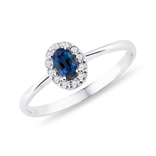 Sapphire and diamond gold ring in white gold