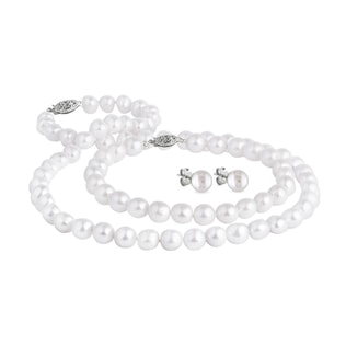 Pearl set with necklace, bracelet and earrings