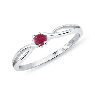 Ruby 14kt gold ring