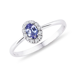 Gold ring with diamonds and tanzanite