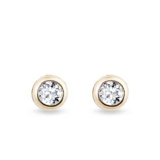 Diamond stud earrings in 14kt gold