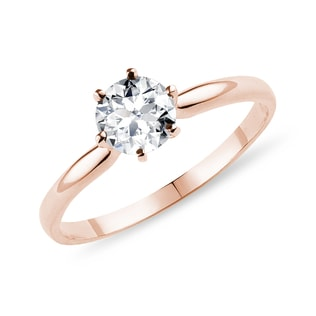 Diamond engagement ring in rose gold