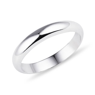 Wedding ring in white gold