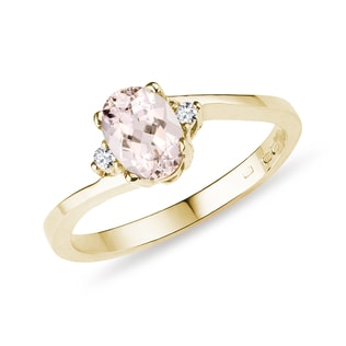 Morganite ring with diamonds in yellow gold