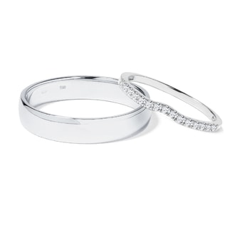 Diamond wedding rings in 14kt white gold