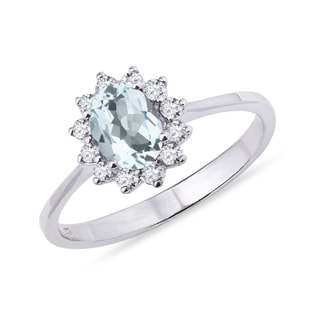Aquamarine and diamond ring in 14kt solid gold