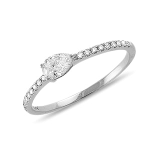 LUXURY DIAMOND ENGAGEMENT RING - ENGAGEMENT DIAMOND RINGS - ENGAGEMENT RINGS
