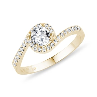 DIAMOND RING IN YELLOW GOLD - ENGAGEMENT HALO RINGS - ENGAGEMENT RINGS