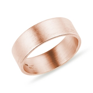 Men's wedding ring in rose gold