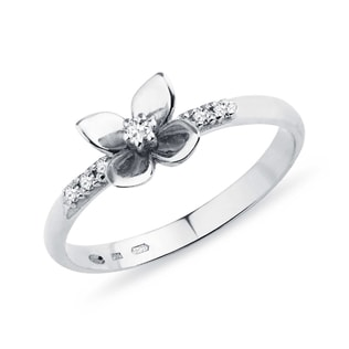DIAMOND FLOWER RING - DIAMOND RINGS - RINGS