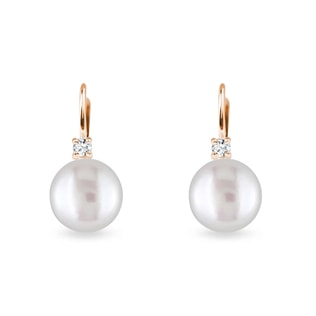 Pearl earrings with diamonds in rose gold