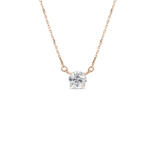 Necklace made of rose gold with diamond