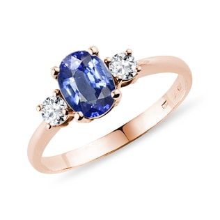 Ring crafted of pink gold with sapphire and diamonds