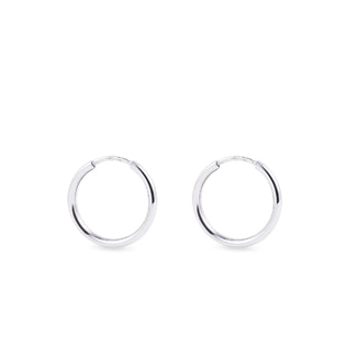 Earrings made of white gold rings