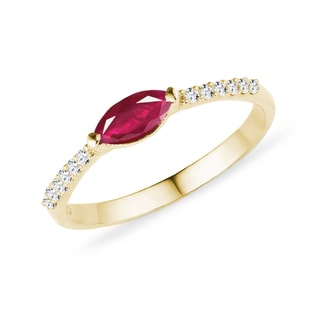 Ruby ring with diamonds in yellow gold