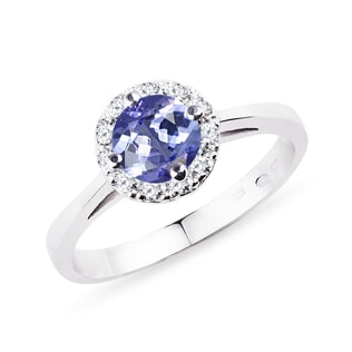 Ring in white gold with diamonds and tanzanite