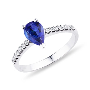 GOLD RING WITH BRILLIANTS AND TANZANITE - ENGAGEMENT GEMSTONE RINGS - ENGAGEMENT RINGS