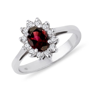 Garnet and brilliant ring in 14kt gold