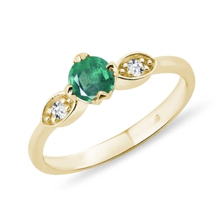 EMERALD RING WITH DIAMONDS IN GOLD - EMERALD RINGS - RINGS